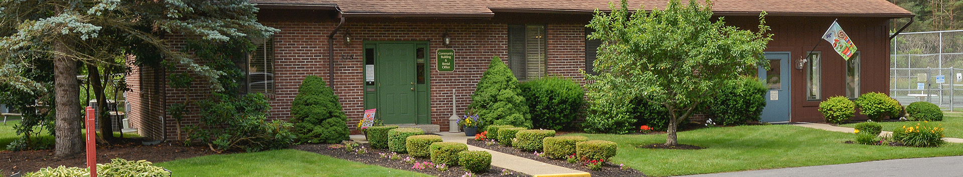 Building outside view of Pikeview Manor Apartments at Manor Communities, Beckley/West Virginia