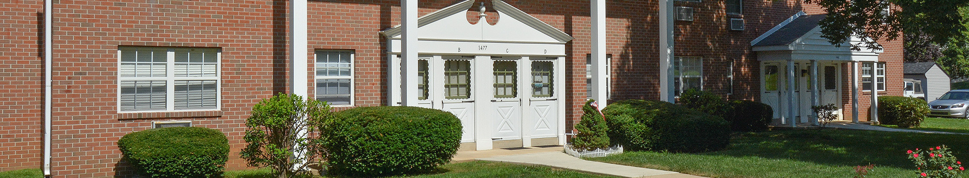 Building view of Manor House Apartments at Manor Communities, Williamsport/Pennsylvania