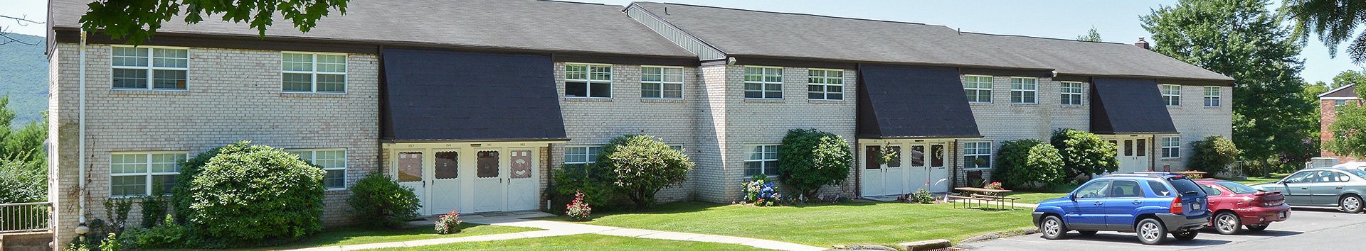Exterior Side view of Grampian Hills Apartments at Manor Communities, Williamsport/Pennsylvania