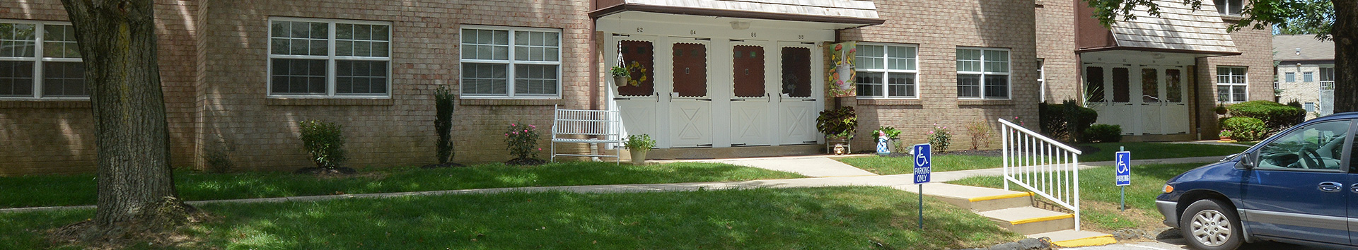 Parking of Springetts Apartments at Manor Communities, York/Pennsylvania