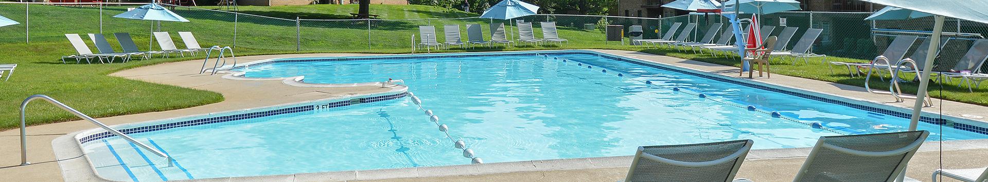 Swimming Pool of of Powder Mill Apartments at Manor Communities, York/Pennsylvania