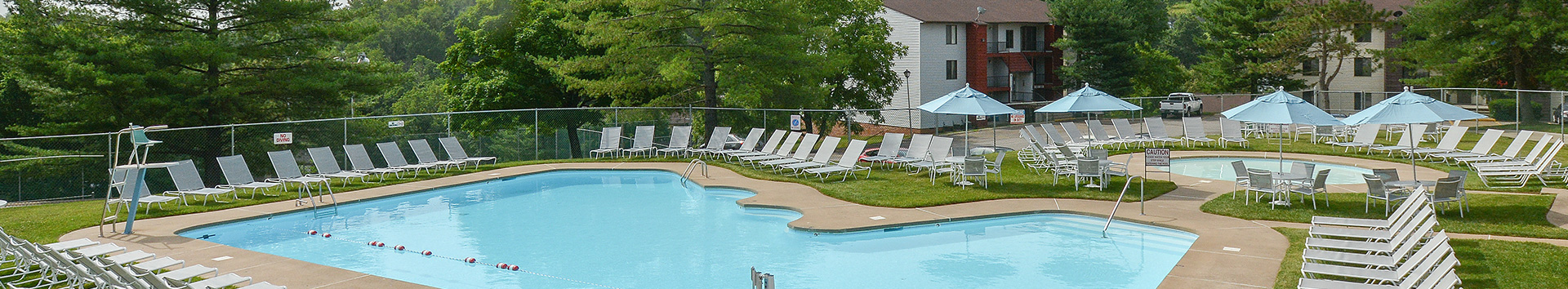 Swimming Pool of Roxalana Hills Apartments at Manor Communities, Charleston/West Virginia